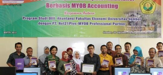 MYOB Hadir di Fakultas Ekonomi Universitas Jember
