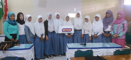 """Workshop """"Tantangan Siswa SMK Akuntansi terhadap Perkembangan Sistem Informasi Akuntansi"""" di SMK Muhammadiyah 2 Moyudan"""
