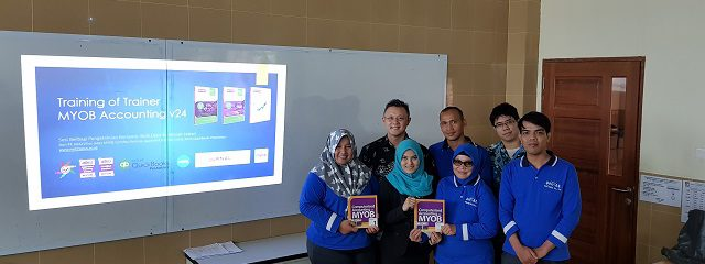 Training of Trainer di Universitas Universal Batam